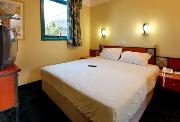 חדרים במלון
