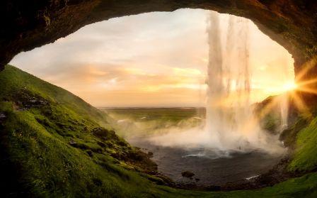 איסלנד - מסע אל ארץ הקרח והאש