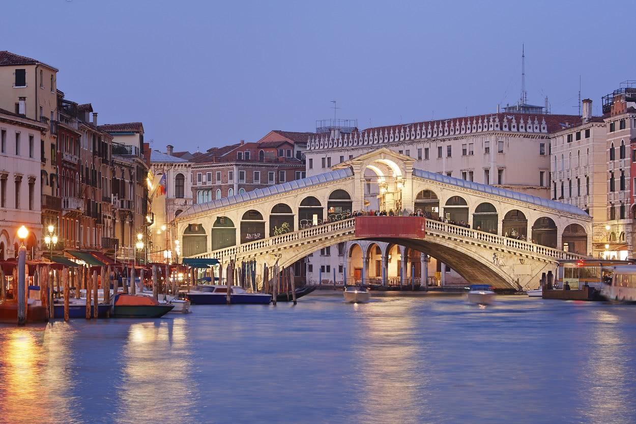 צפון איטליה המיטב , מלון אחד