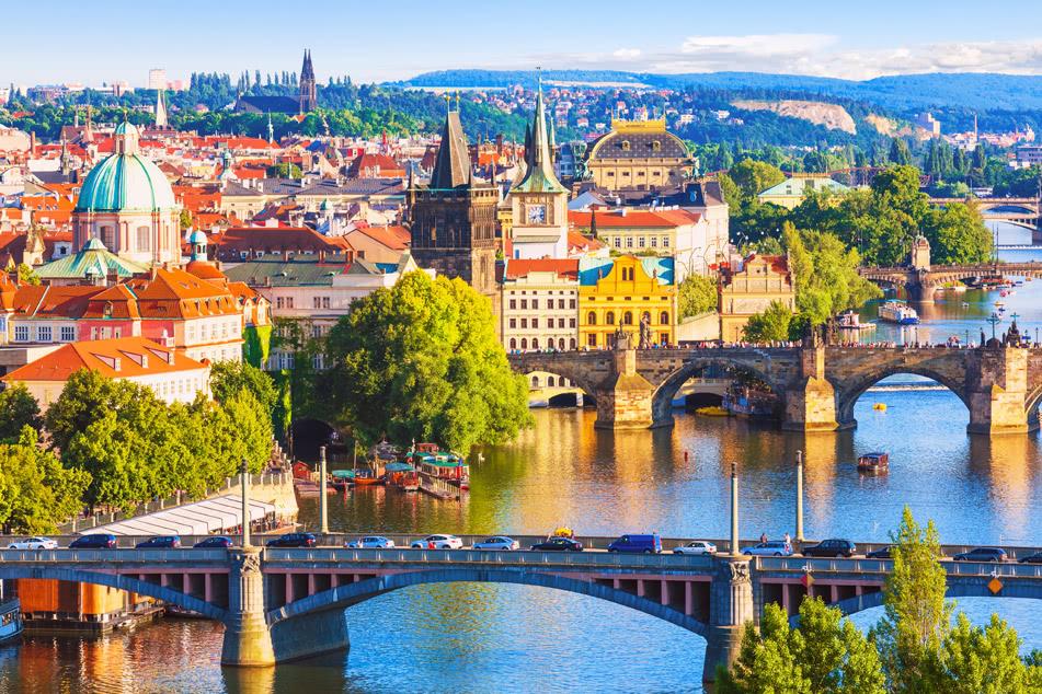 הערים המוזהבות בין ברלין לפראג