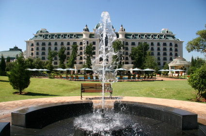 דרום אפריקה -טיול גאוגרפי שמורה פרטית בקרוגר פארק, מפלי ויקטוריה ושמורת צובה