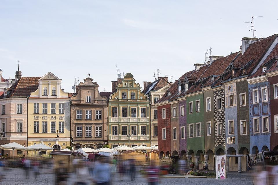 פולין האחרת ערים מודרניות טבע ונוף