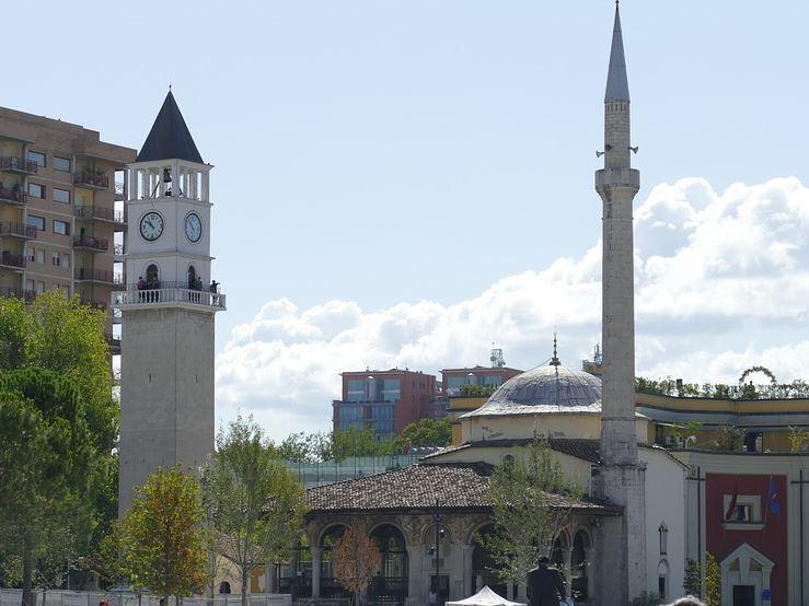 אל מדינות הבלקן המתעוררות - אלבניה ומקדוניה