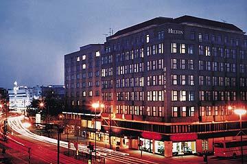 îìåï Hilton Olympia