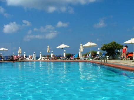 îìåï Maritimo Beach Hotel