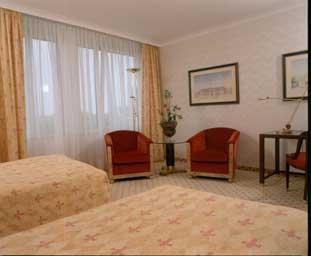 מלון Palace Hotel Berlin